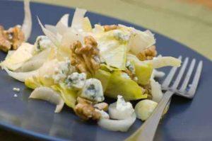 salade d'endives à la pâte de noix